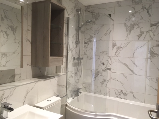 Didsbury apartment bathroom